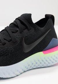 Nike Performance - EPIC REACT FLYKNIT 2 - Neutrale løbesko - black/sapphire/lime blast/hyper pink/blue tint - 5