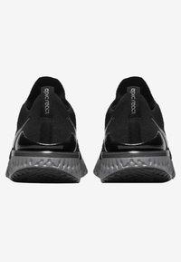 Nike Performance - EPIC REACT FLYKNIT 2 - Hardloopschoenen neutraal - black/anthracite - 3