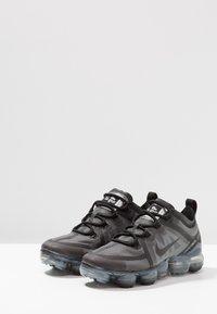 Nike Performance - AIR VAPORMAX  - Obuwie do biegania Stabilność - black - 2