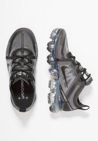 Nike Performance - AIR VAPORMAX  - Obuwie do biegania Stabilność - black - 1