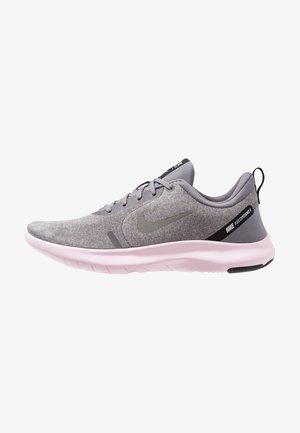 FLEX EXPERIENCE RN 8 - Zapatillas running neutras - atmosphere grey/metallic pewter/gunsmoke/thunder grey/pink foam/black