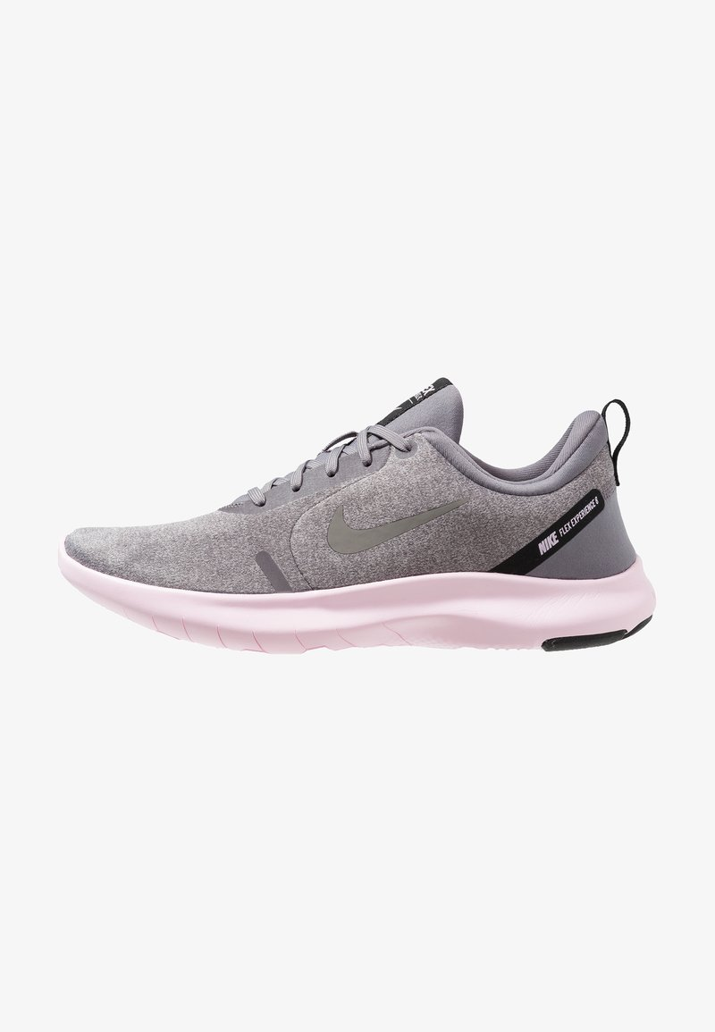Nike Performance - FLEX EXPERIENCE RN 8 - Paljasjalkajuoksukengät - atmosphere grey/metallic pewter/gunsmoke/thunder grey/pink foam/black
