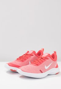 Nike Performance - FLEX EXPERIENCE RN 8 - Trainers - ember glow/white/pink gaze/bleached coral - 2
