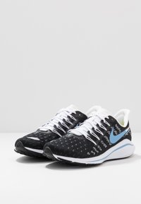 Nike Performance - AIR ZOOM VOMERO  - Obuwie do biegania treningowe - black/light blue/half blue/white - 2