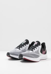 Nike Performance - ZOOM WINFLO - Zapatillas de running neutras - white/noble red/black/iced lilac/pistachio frost - 2