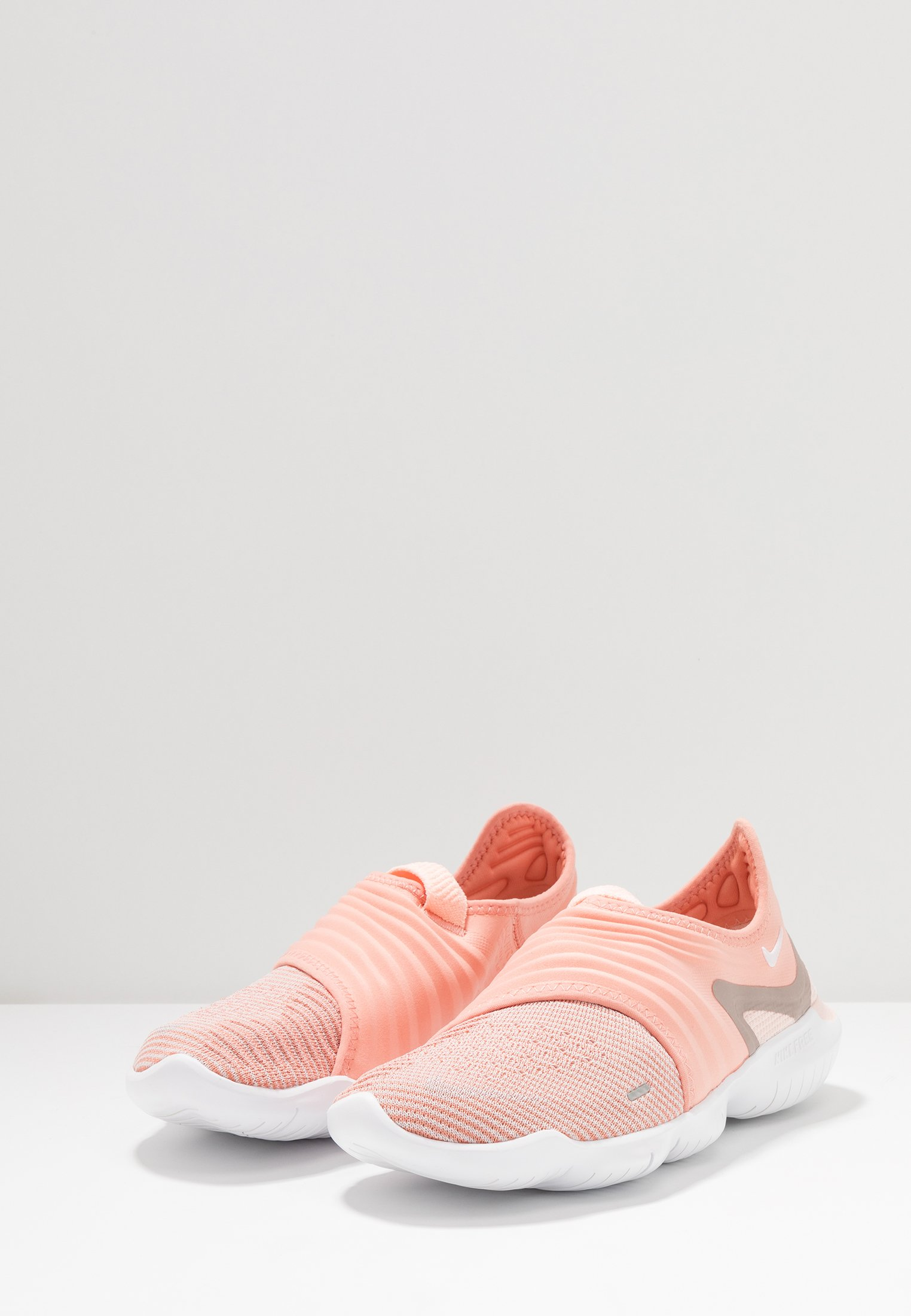 Quartz Flyknit Pink De Free Nike 0Chaussures Neutres 3 Course white echo Performance Rn shCxBtQord
