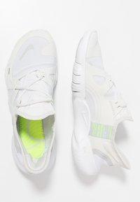 Nike Performance - FREE RN 5.0 - Minimalist running shoes - platinum tint/pure platinum/white/volt - 1