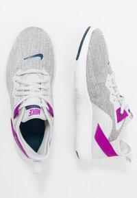 Nike Performance - FLEX TRAINER 9 - Obuwie treningowe - photon dust/valerian blue/vivid purple/light smoke grey/white - 1
