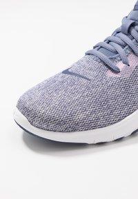 Nike Performance - FLEX - Sneakers - stellar indigo/sanded purple - 5