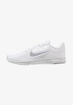 DOWNSHIFTER  - Chaussures de running neutres - white/wolf grey/pure platinum