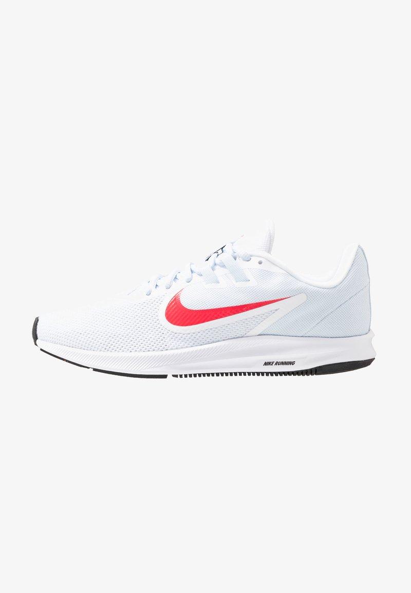 Nike Performance - DOWNSHIFTER  - Juoksukenkä/neutraalit - white/red orbit/half blue/black