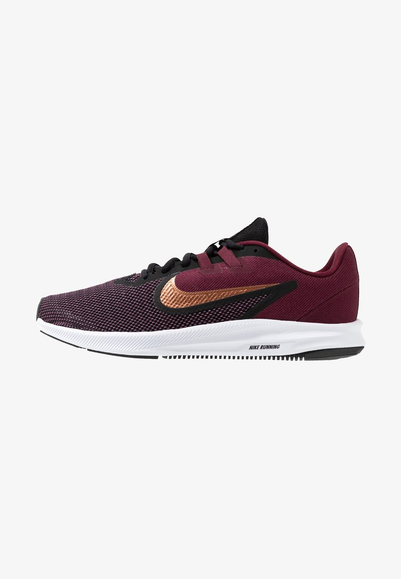 Nike Performance - DOWNSHIFTER  - Neutral running shoes - night maroon/metallic copper/black