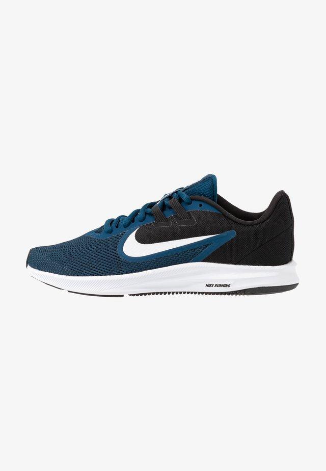 DOWNSHIFTER  - Neutral running shoes - valerian blue/white/black/vivid purple
