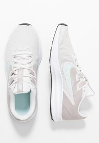 Nike Performance - DOWNSHIFTER  - Obuwie do biegania treningowe - platinum tint/teal tint/moon particle - 1