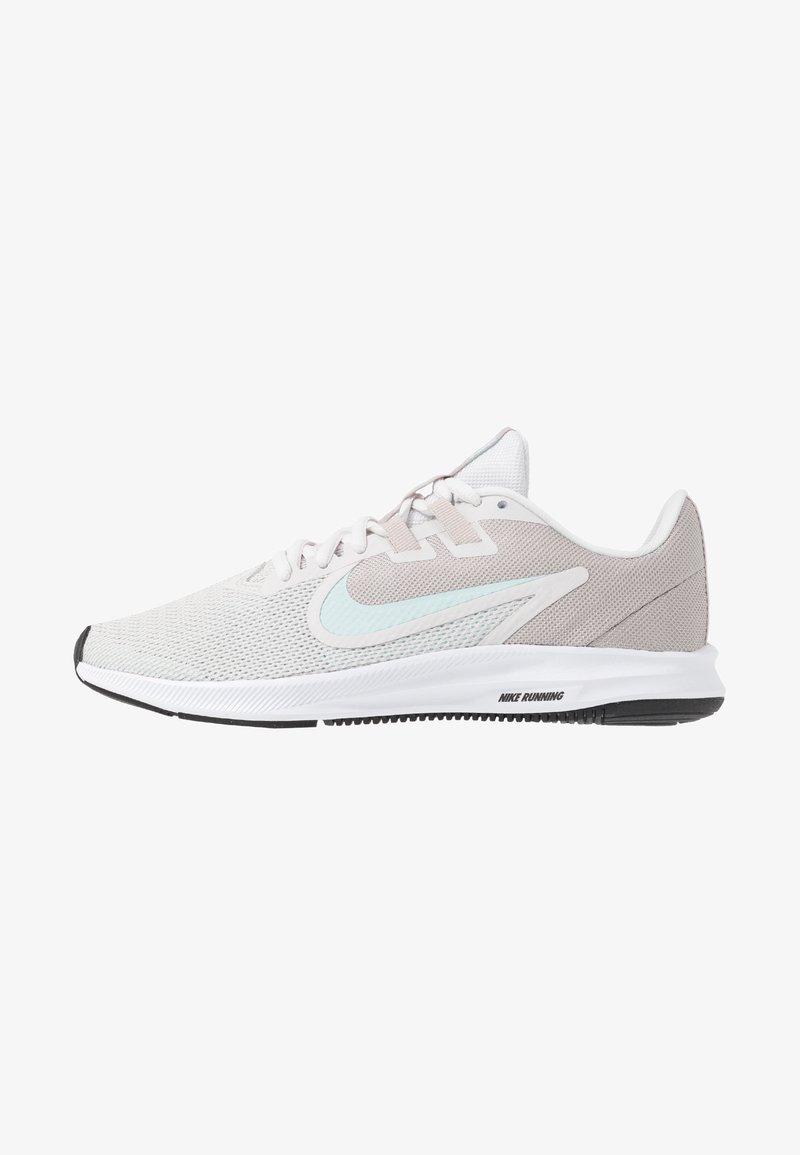 Nike Performance - DOWNSHIFTER  - Neutrální běžecké boty - platinum tint/teal tint/moon particle