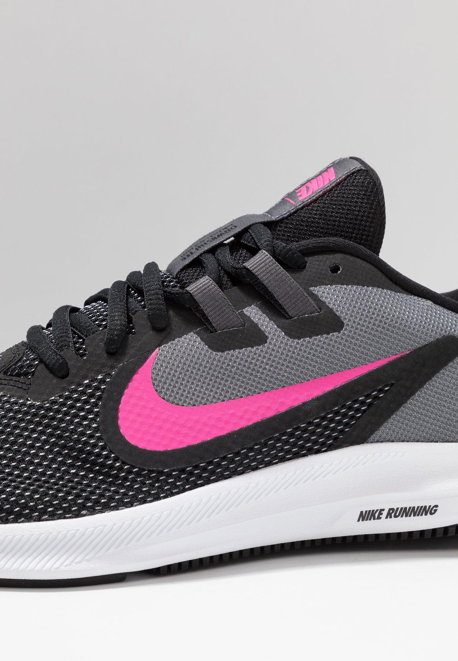 Nike Performance DOWNSHIFTER  - Chaussures de running neutres - black/laser fuchsia/dark grey/white
