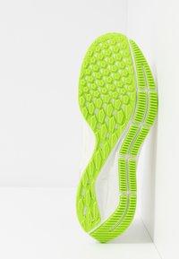 Nike Performance - AIR ZOOM PEGASUS 36 - Stabilty running shoes - phantom/beige/barely volt - 4