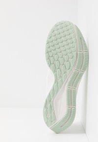 Nike Performance - AIR ZOOM PEGASUS 36 - Zapatillas de running estables - summit white/vapor green/spruce aura/pistachio frost - 4
