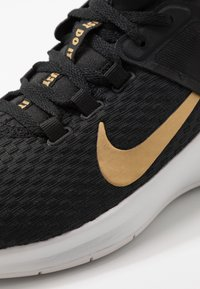 Nike Performance - AIR MAX BELLA TR 2 - Sports shoes - black/metallic gold/gunsmoke/vast grey - 5