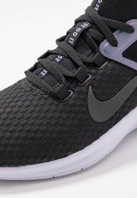 Nike Performance - AIR MAX BELLA TR 2 - Træningssko - off noir/stellar indigo - 5