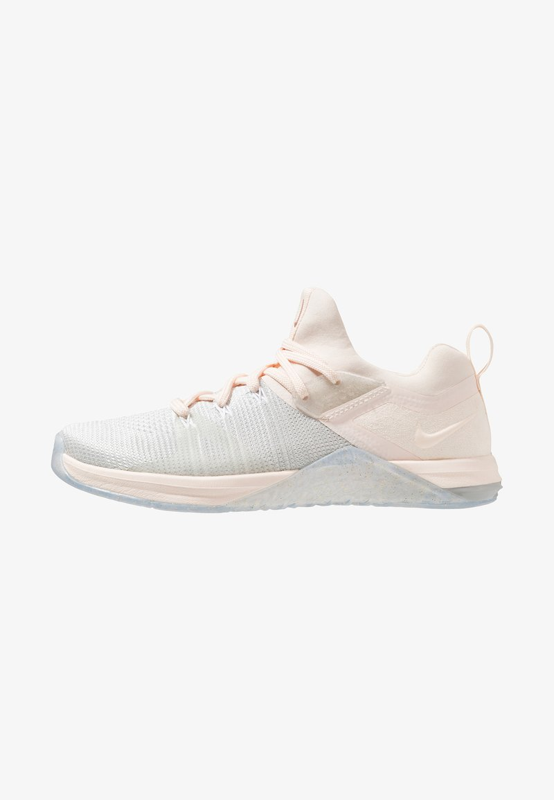 Nike Performance - METCON FLYKNIT 3 - Trainings-/Fitnessschuh - matte silver/guava ice/white