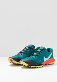 Nike Performance - AIR ZOOM TERRA KIGER 5 - Běžecké boty do terénu - geode teal/aurora green7black/bright crimson/chrome yellow