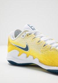 Nike Performance - AIR ZOOM VAPOR X - Allcourt tennissko - opti yellow/valerian blue/bright citron - 5