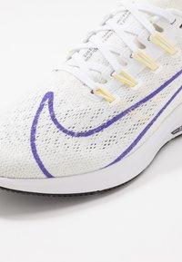 Nike Performance - AIR ZOOM PEGASUS 36 JDI - Hardloopschoenen neutraal - white/psychic purple/summit white/laser fuchsia/yellow pulse/black - 5