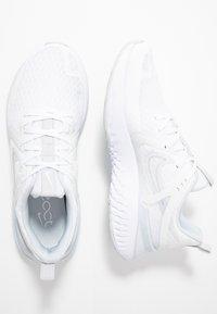 Nike Performance - LEGEND REACT 2 - Zapatillas de running neutras - white/pure platinum - 1