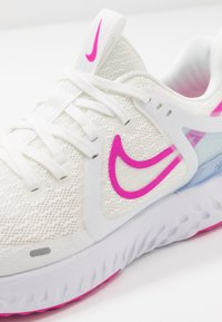 Nike Performance - LEGEND REACT 2 - Neutral running shoes - summit white/fire pink/hydrogen blue - 5