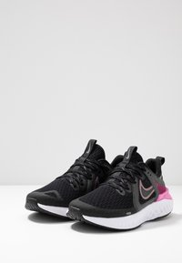 Nike Performance - LEGEND REACT 2 - Neutrale løbesko - black/cool grey/psychic pink/white - 2