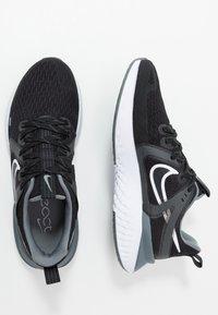 Nike Performance - LEGEND REACT 2 - Hardloopschoenen neutraal - black/white/cool grey/metalliccool grey - 1