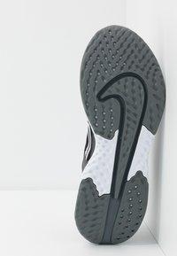 Nike Performance - LEGEND REACT 2 - Hardloopschoenen neutraal - black/white/cool grey/metalliccool grey - 4