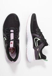 Nike Performance - LEGEND REACT 2 - Zapatillas de running neutras - black/pistachio frost/iced lilac/light violet/noble red - 1