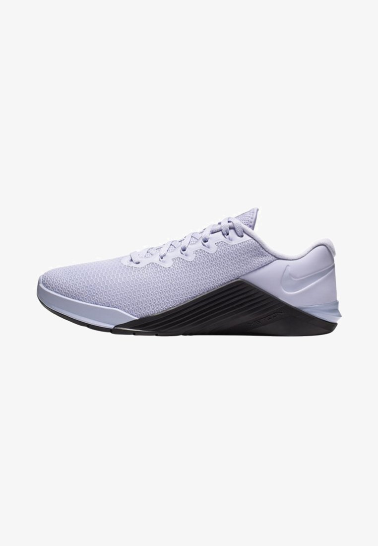 Nike Performance - METCON 5 - Sports shoes - lavender mist/pale ivory/oil grey
