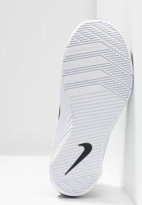Nike Performance - METCON 5 - Sports shoes - black/white/wolf grey - 4