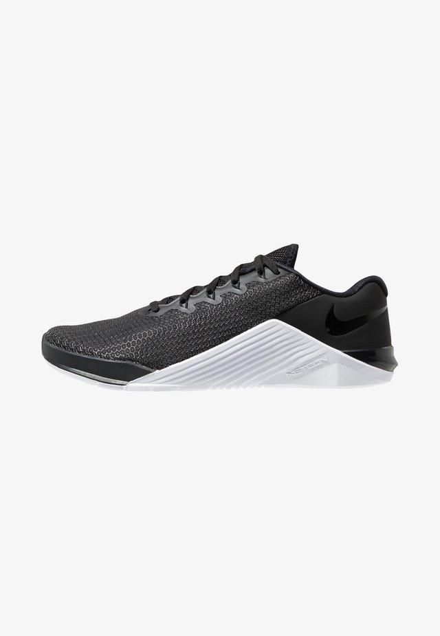 METCON 5 - Sportschoenen - black/white/wolf grey