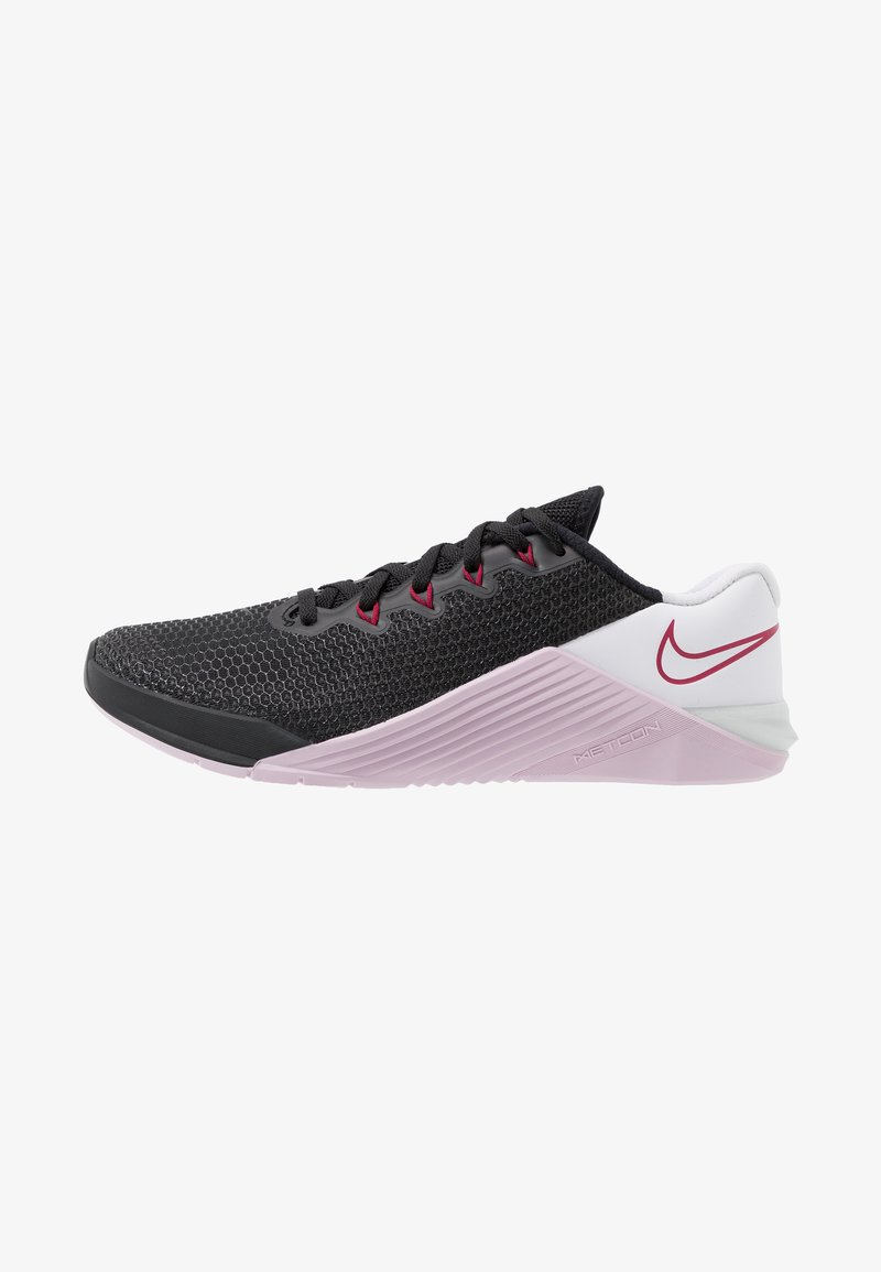 Nike Performance - METCON 5 - Sports shoes - black/noble red/pistachio frost/white/iced lilac