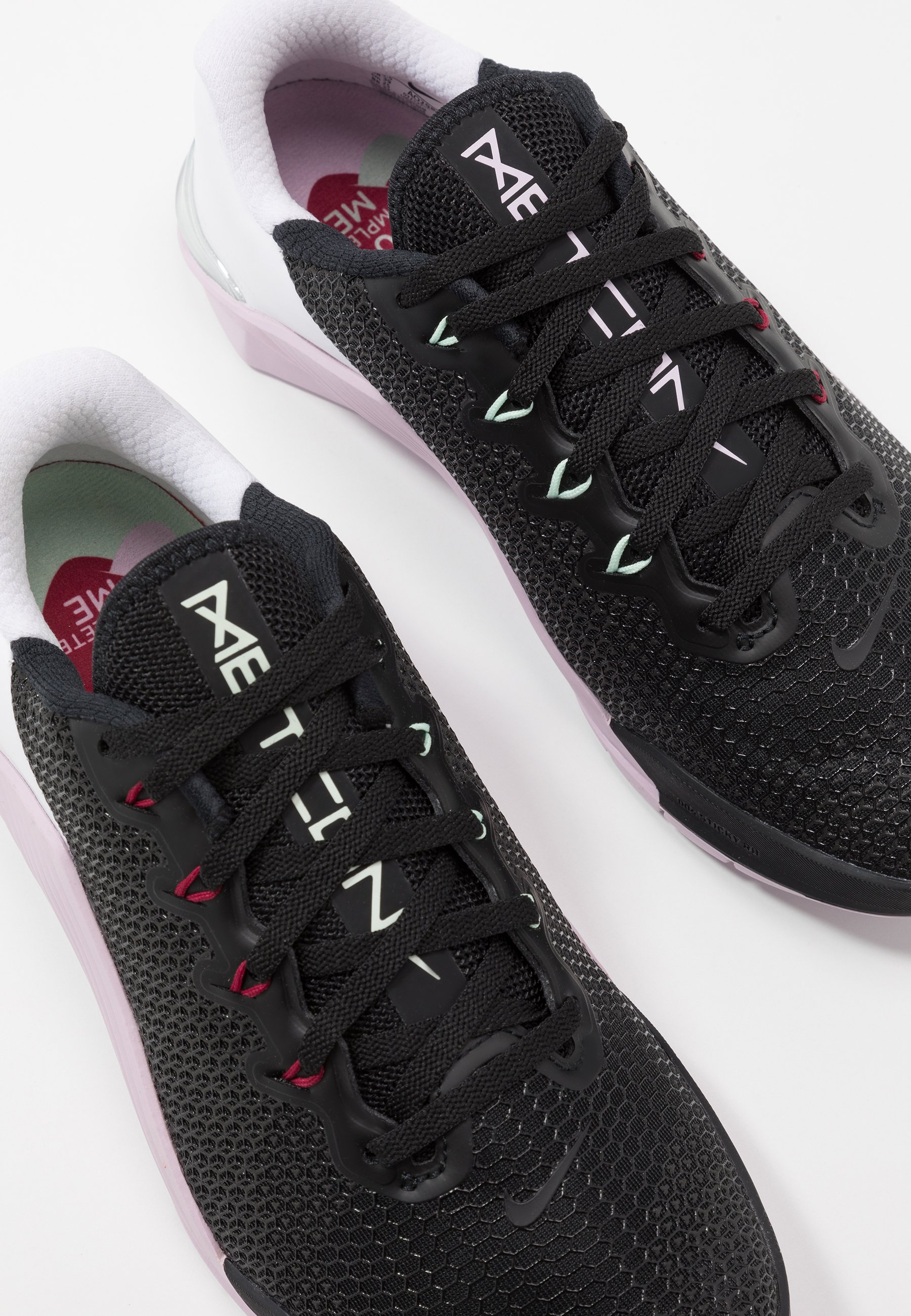 Nike Performance METCON 5 - Obuwie treningowe - black/noble red/pistachio frost/white/iced lilac