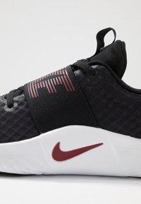 Nike Performance - RENEW IN-SEASON TR 9 - Sportovní boty - black/team red/metallic copper/white - 5