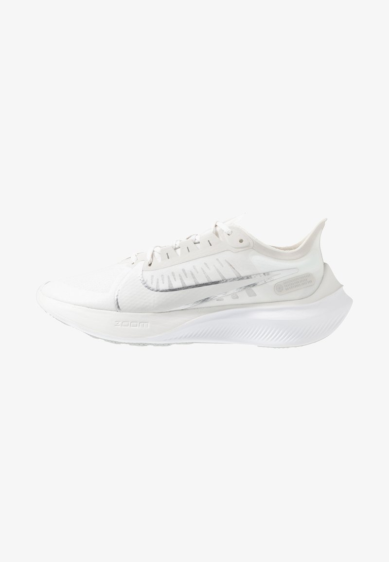 Nike Performance - ZOOM GRAVITY - Neutral running shoes - platinum tint/metallic silver/white/pure platinum