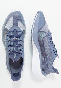 Nike Performance - ZOOM GRAVITY - Hardloopschoenen neutraal - amethyst tint/clear/sanded purple - 1