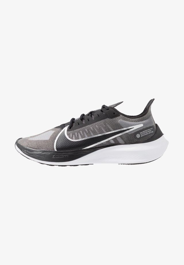 ZOOM GRAVITY - Scarpe running neutre - black/metallic silver/wolf grey/white