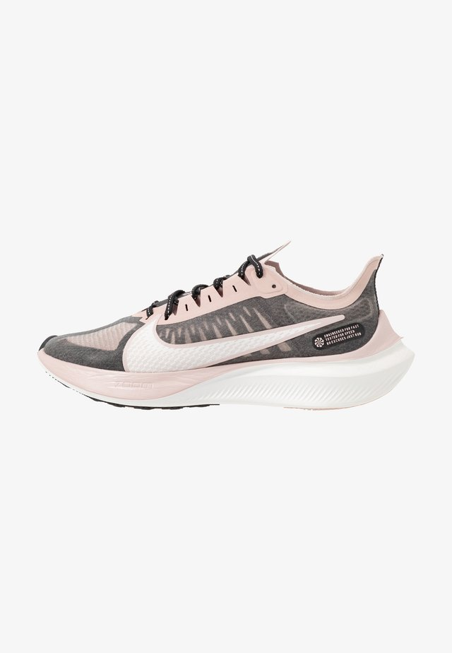 ZOOM GRAVITY - Neutral running shoes - black/platinum tint/stone mauve/metallicred bronze/smokey mauve
