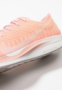 Nike Performance - ZOOM PEGASUS TURBO 2 - Scarpe running neutre - pink quartz/summit white/pale vanilla/pumice/vast grey - 5
