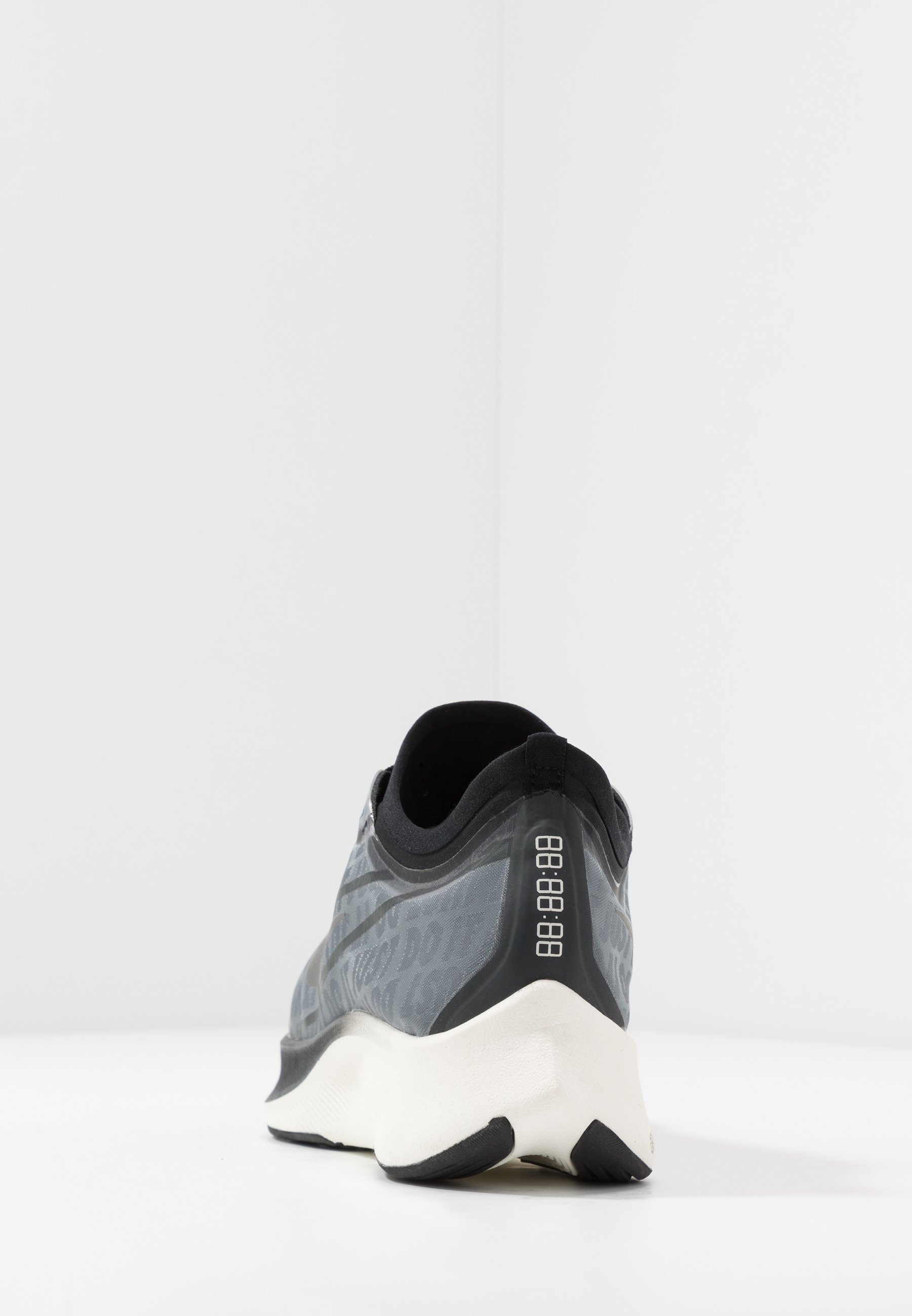 Nike Performance ZOOM FLY 3 - Obuwie do biegania treningowe - dark smoke grey/metallic pewter/black/summit white