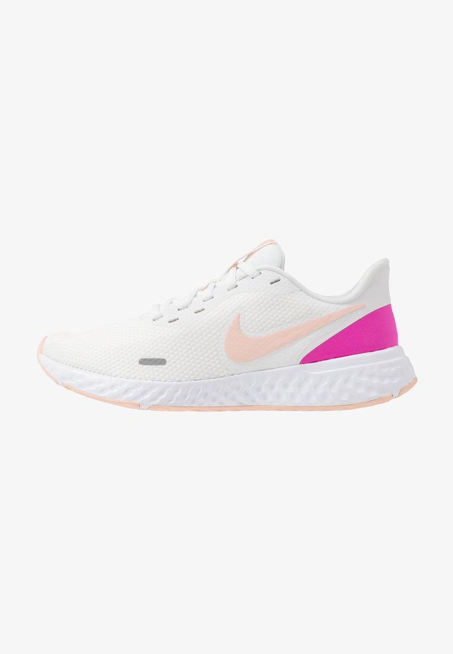 REVOLUTION 5 - Neutral running shoes - summit white/washed coral/fire pink