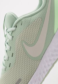 Nike Performance - REVOLUTION 5 - Neutral running shoes - pistachio frost/barely volt/smoke grey - 5