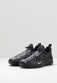 Nike Performance - METCON FLYKNIT 4 - Sneakers basse - black/white - 2