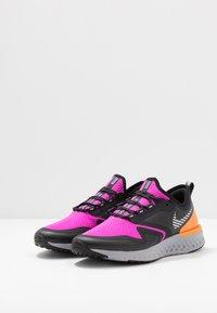 Nike Performance - ODYSSEY REACT  SHIELD - Juoksukenkä/neutraalit - fire pink/metallic silver/black - 2